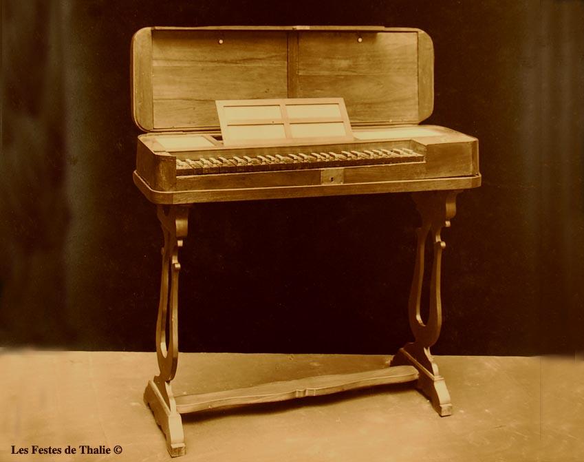 II-49  Clavicorde allemand XVIIIe vendu au musée instrumental George Harding Chicago