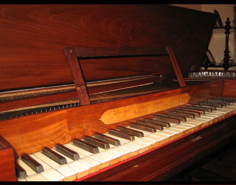III-21  Piano forte de Zumpe