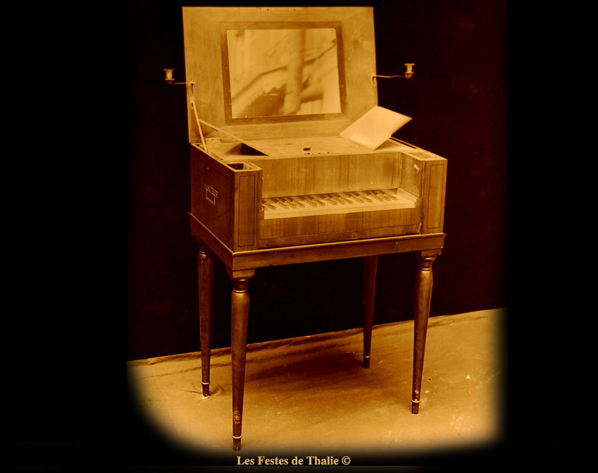 piano-table de toilette - France vers 1820